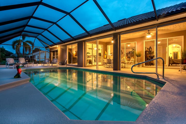 Villa Africa - Beautiful waterfront home with heated pool and
