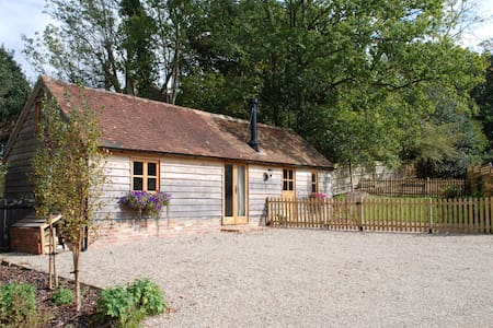 Cuckoo Barn - perfect hideaway - Heathfield