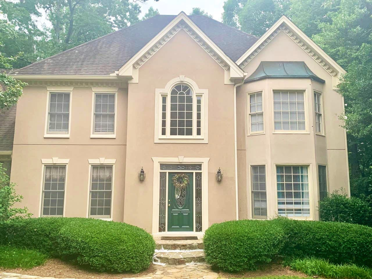Beautiful Suburban Home - Full Furnished Basement Suite Available
