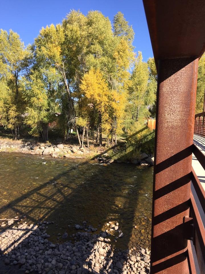 Gunnison Riverside Cabin