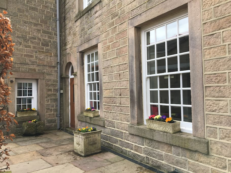 Beautiful spacious ground floor apartment in the heart of Hathersage