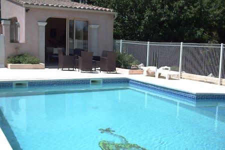 """Belle Villa Provençale Familiale """"LA REVERDIE"""" - Villa"""