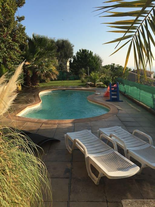 Villa nice 200m piscine vue mer maisons louer nice for Piscine 2 alpes