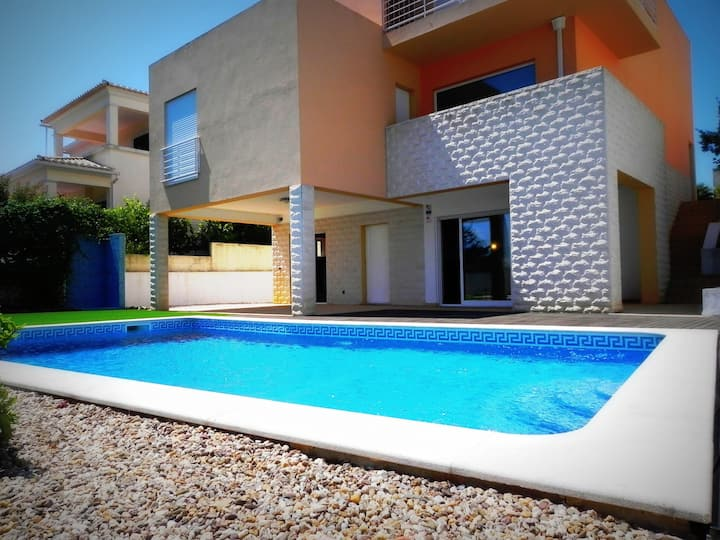 Casa Aurora - T4 Com WIFI & Piscina
