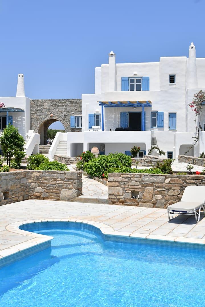 Paros Cycladic Villa 3 bed/3 bath sea views, pool