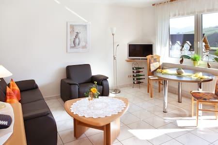 Ferienweingut Thiesen - Apartment Spätburgunder - Ellenz-Poltersdorf
