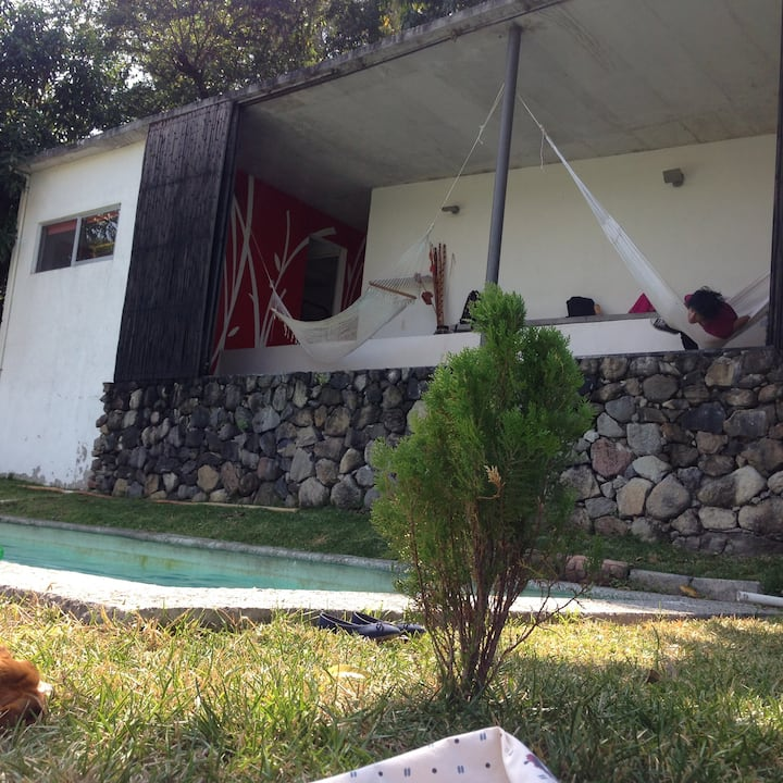 Habitación en casa  ecológica a la orilla del Río