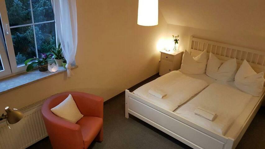 Gemütliches 2-Bett Zimmer in Weißkeißel +Frühstück