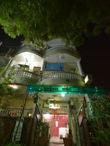 Deluxe Home Stay In Agra - Agra - Apartment