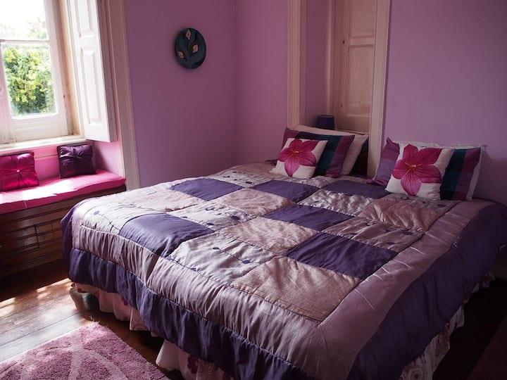 Casa Grande / Mauve Room