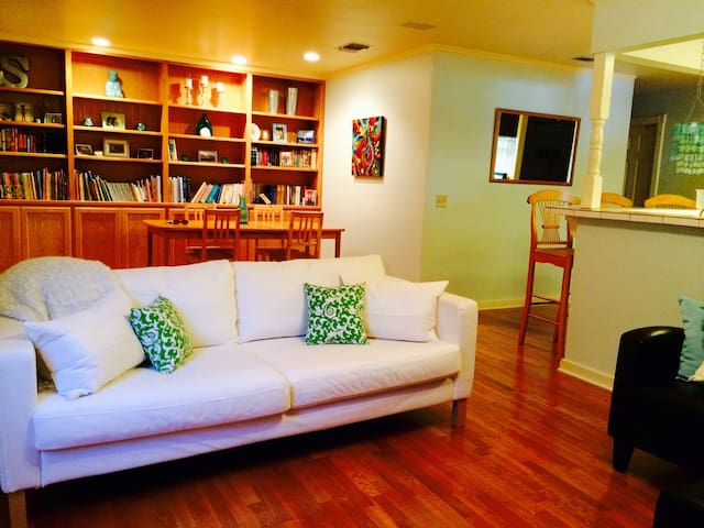 Stay at Sully's- 2 bed/1 bath - Kyle