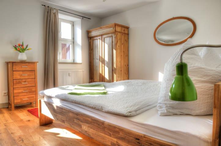Hübsche Ferienwohnungen am Dom - Naumburg (Saale) - Pis