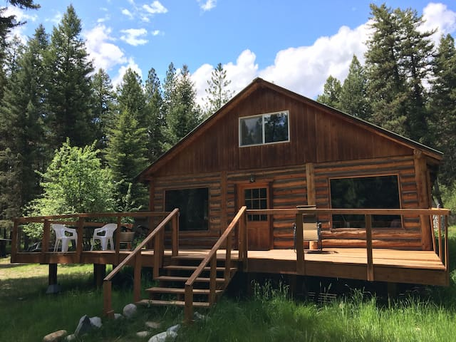 Missoula Montana Cozy Conifer Log Cabin on 10acres - Huson - Casa de campo