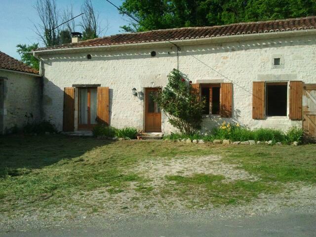 Chez Grelet - Nonac - Casa