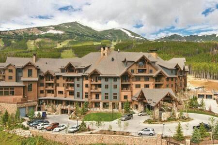 Grand Lodge Peak7 - Ski-in/Ski-out!