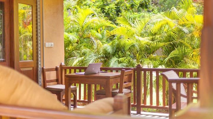 Birds Paradise 2 Cabanas with paddy view