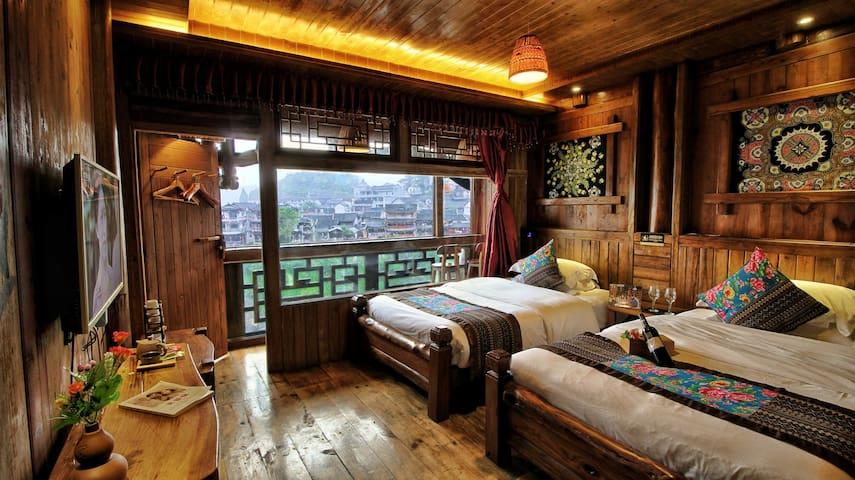 房间内景:1.3米床2张