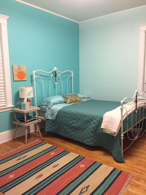 brookline village single women There's a reason so many people are looking for apartments in brookline, ma want a hip studio that's perfect for a single bachelor trust us to help you find it.