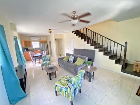 Yensha Townhomes #3 • 2 MINUTES FROM AIRPORT