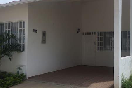 Casa Carmen de Apicalá Bosques de Arenitas - Carmen Apicala