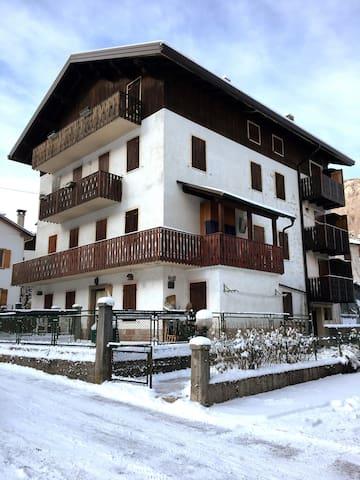"""Casa """"Sole"""" con vista a Forno di Zoldo"""