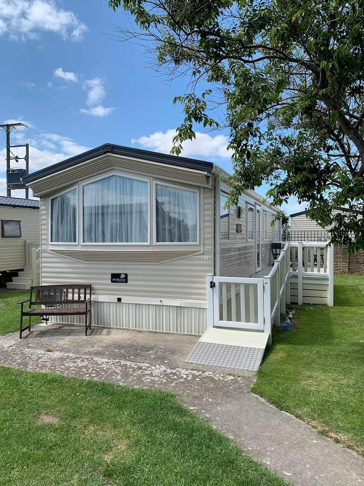 Gold (219) 2 bedroom caravan Dog Friendly