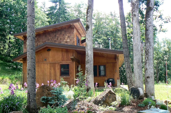 Dog friendly mountain home: Weekly Discount