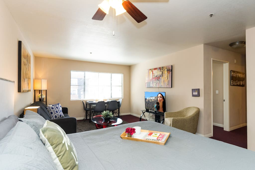 Enjoy yourself in our spacious and modern Hollywood apartment! Comfortable KING bed in the living room for ultimate relaxation.
