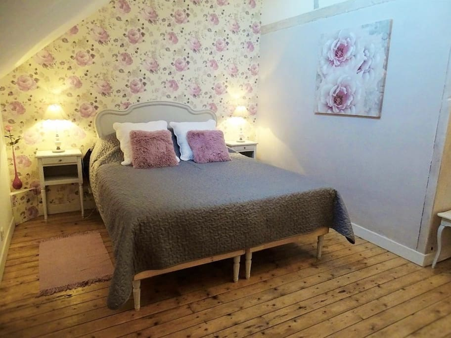 domaine de la louveti re chambre europe bed and breakfasts for rent in courtalain centre. Black Bedroom Furniture Sets. Home Design Ideas