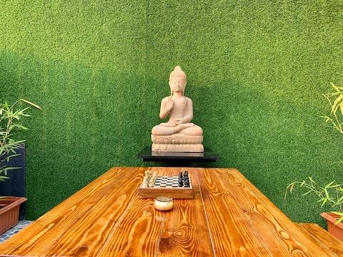 * Sala Zen con jardín secreto y jacuzzi al aire libre *