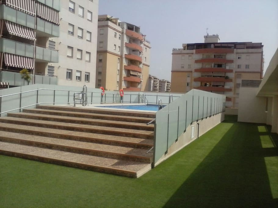 Piso en teatinos condominiums for rent in m laga for Piso 4 dormitorios teatinos malaga