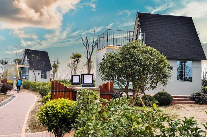 家庭亲子房 双层 独栋 独院 烧烤 花园