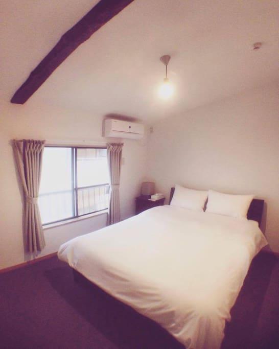 Western bedroom(2nd floor)