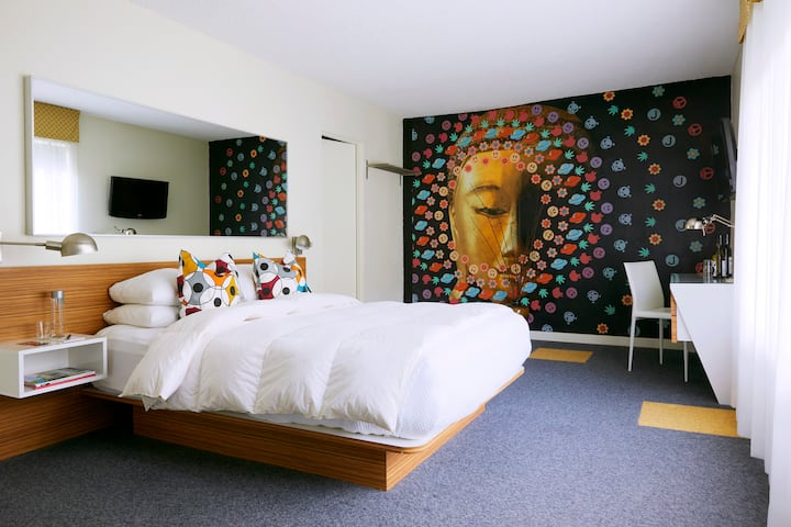 Dog Friendly Boutique Hotel, One Queen Bed