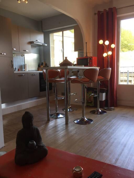 50 m2 proche chateau de versailles appartements louer versailles le de france france. Black Bedroom Furniture Sets. Home Design Ideas