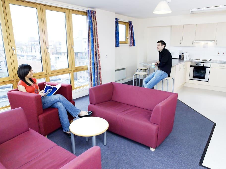 beaumont court student residence auberges de jeunesse. Black Bedroom Furniture Sets. Home Design Ideas