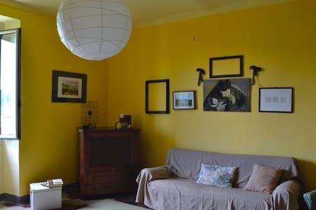 Affascinante casa d'epoca nel verde - Montacuto