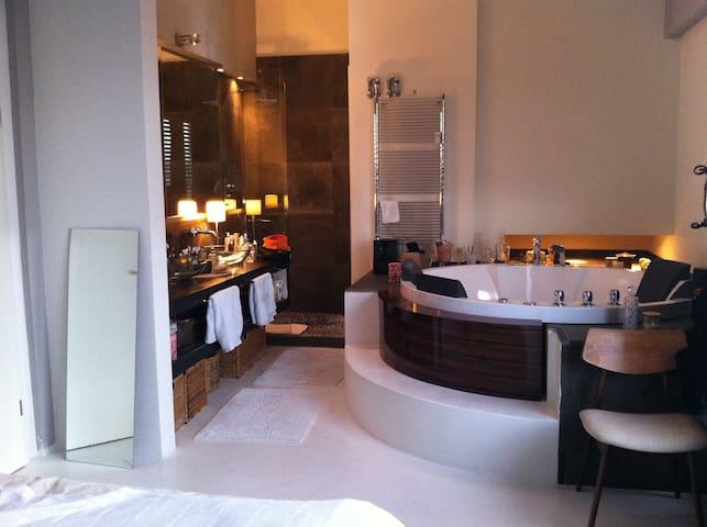 Luxus-Penthouse messenah, 200 qm - Düsseldorf - Loft