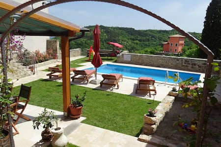 Istrian Villa with pool - Oprtalj