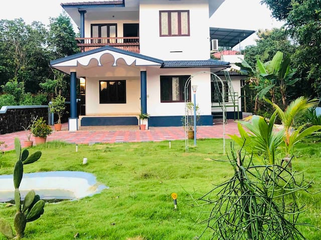 Quiet & clean house  in Kannur ! 5star Rated ! A/C