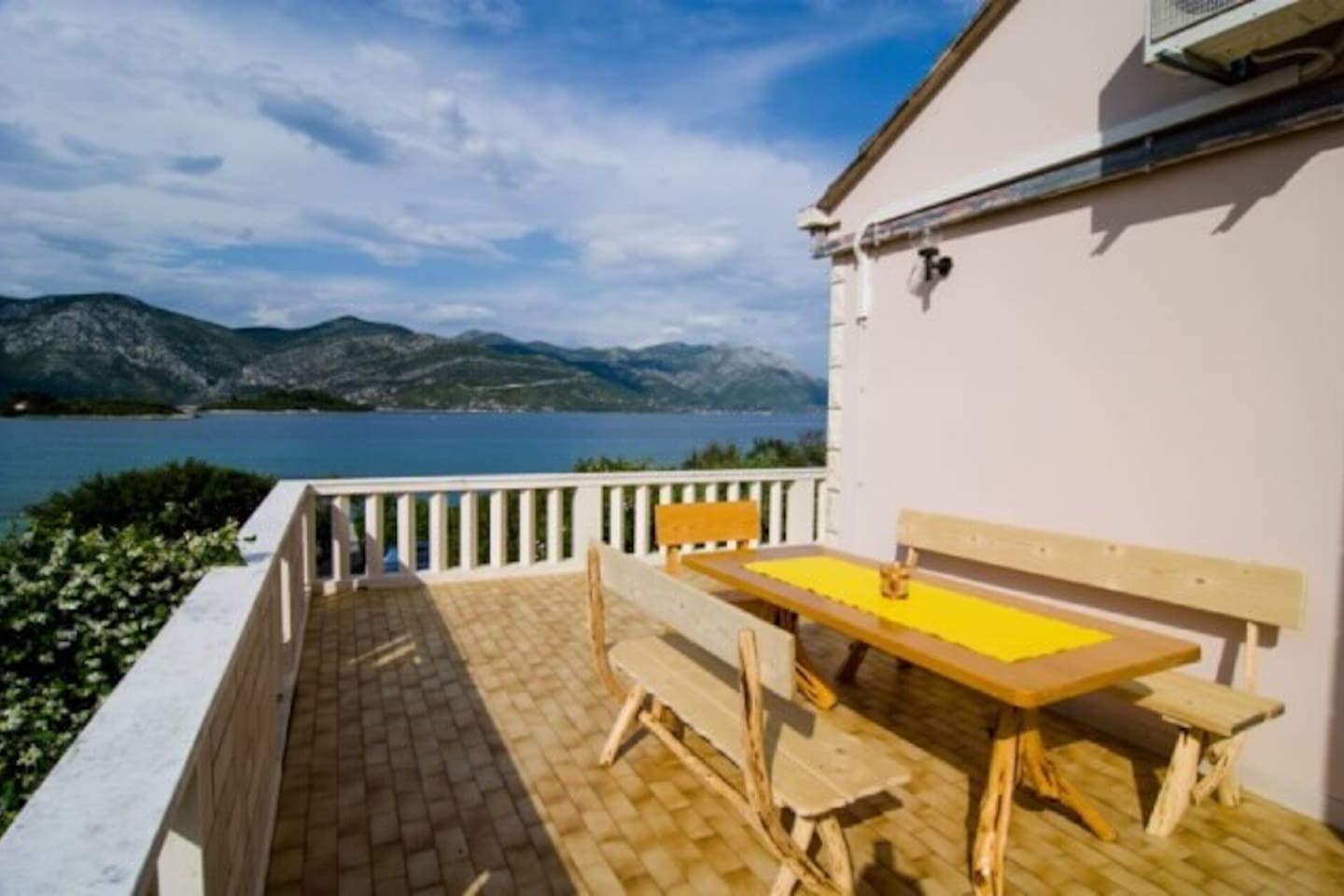 Private 60m2 terrace with amazing sea view