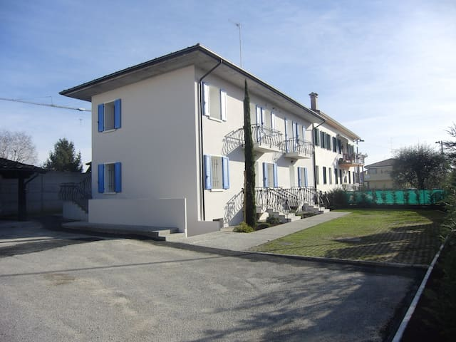 VG2/Art House residence Pordenone - Porcia - Apartment