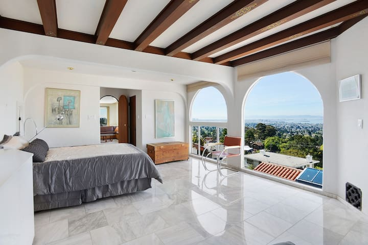 On-suite master, with pool and spa - Berkeley - House