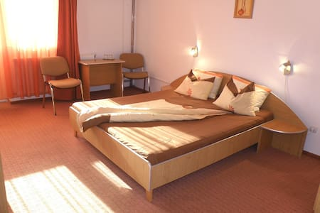 Cozy Rooms 5 min from Aquapark - Baile Felix
