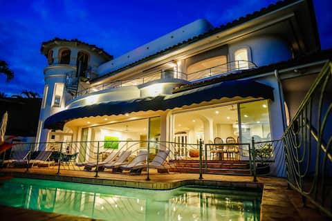 Blue Sky Villa