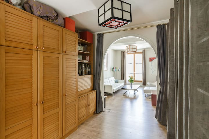 Large and charming flat: best spot in Paris Marais