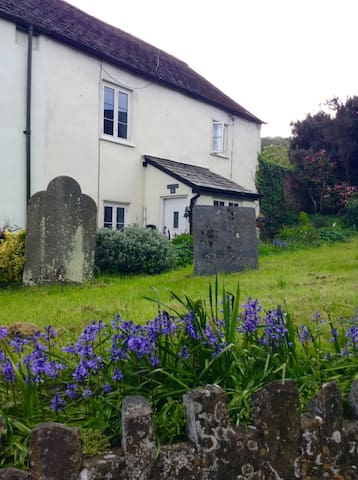 St George's Cottage, dog friendly - Dunster