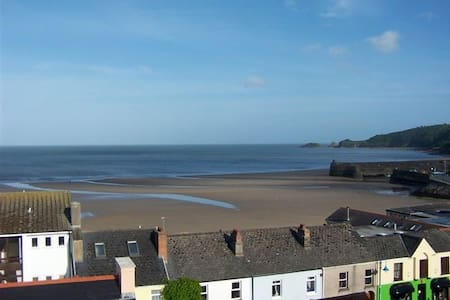 Spectacular seaviews in centre of  Saundersfoot - Saundersfoot