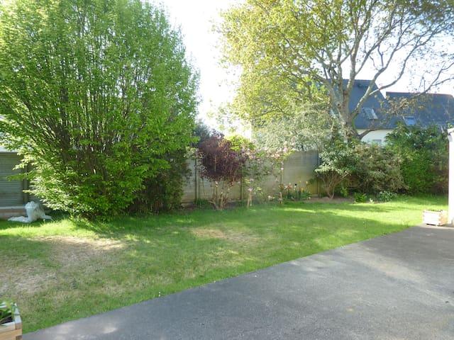 Maison Brest au calme, proche comodités - Brest - Hus