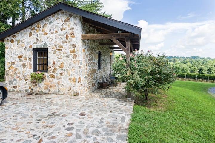 Galer Estate Cottage near Longwood